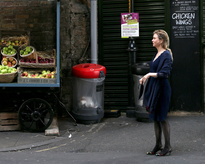 Renee Zellweger on the set of 'Bridget Jones's Baby' at Borough Markets. Featuring: Renee Zellweger Where: London, United Kingdom When: 13 Oct 2015 Credit: WENN.com