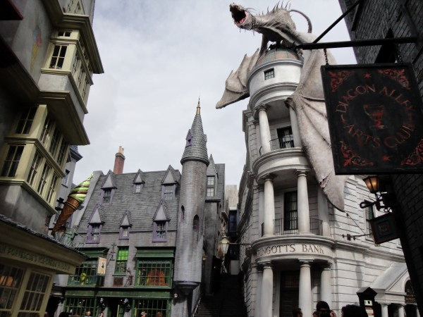harry-potter-and-the-sorcerers-stone-filming-locations--gringotts-bank