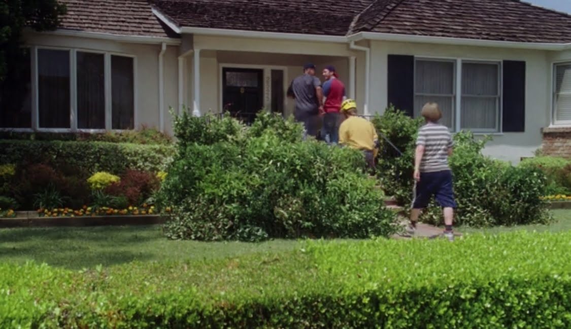 the-benchwarmers-filming-locations-ding-dong-ditch-house