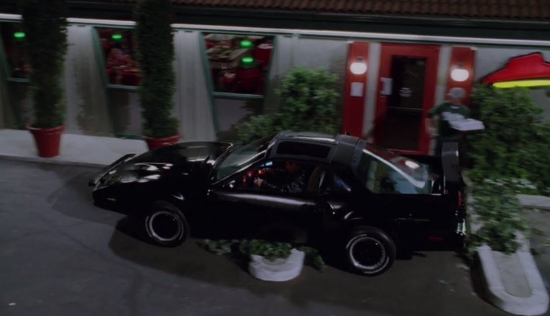 the-benchwarmers-filming-locations-pizza-hut-knight-rider-car