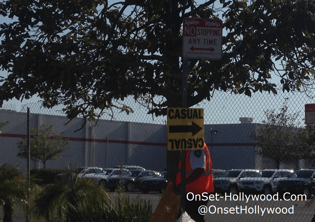 casual-tv-series-filming-locations-canoga-park-yellow-sign