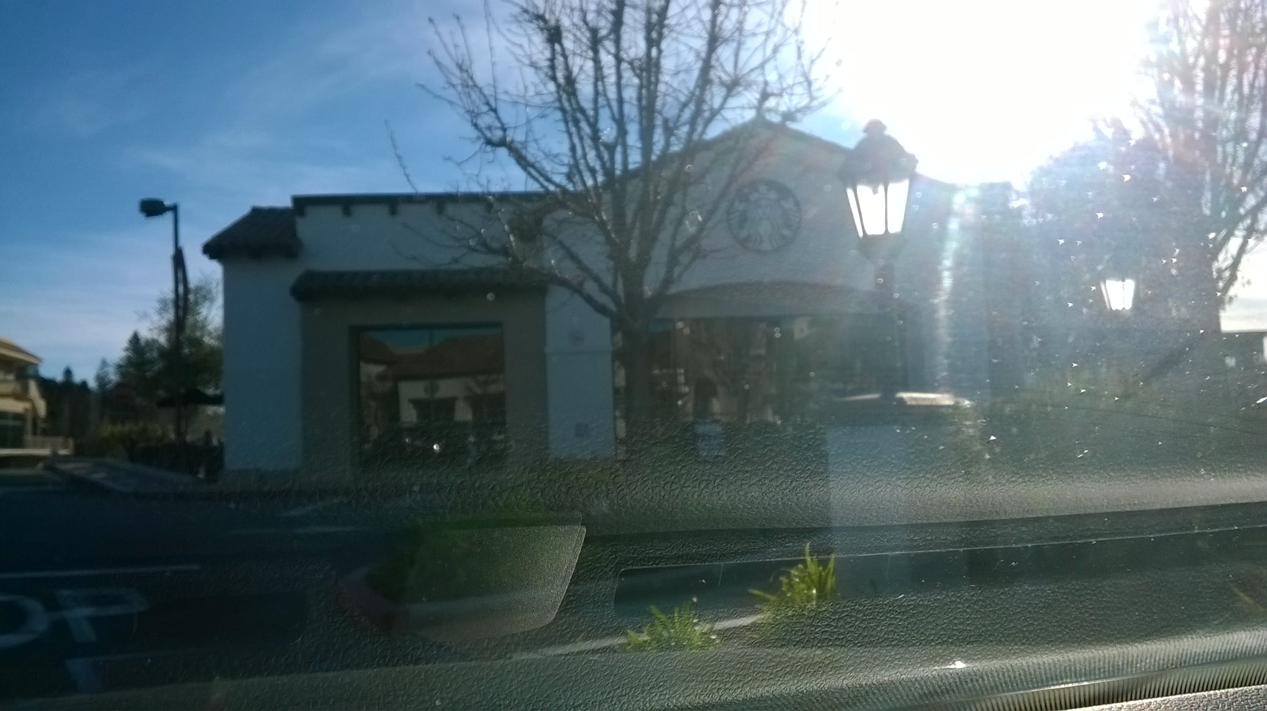 weeds-filming-locations-starbucks-pic2