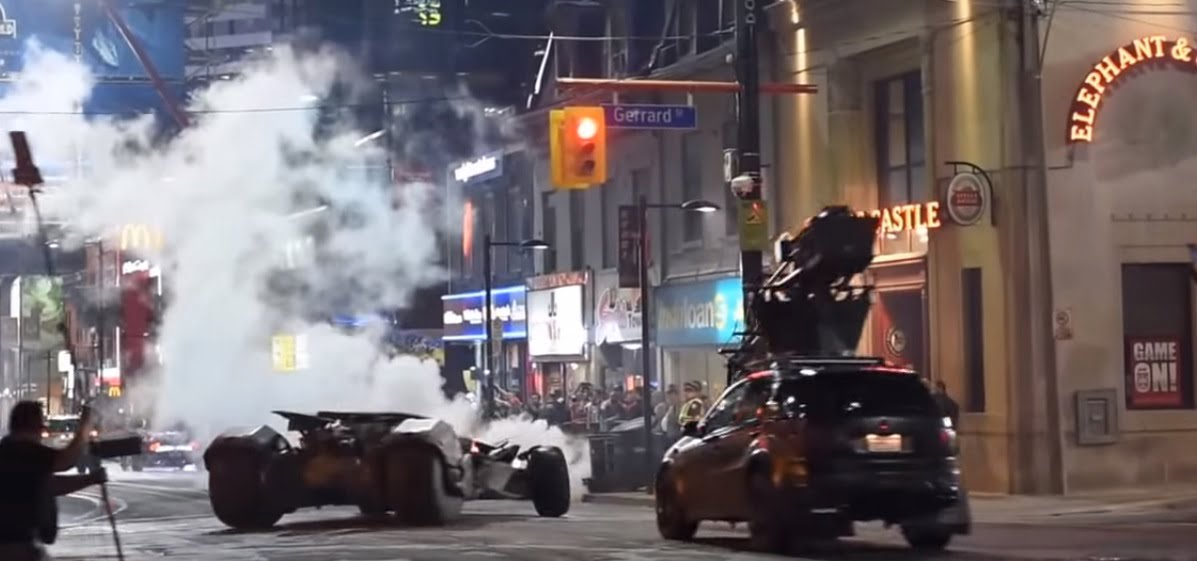 Suicide-Squad-filming-locations-toronto-Batman-chasing-Joker-pic2
