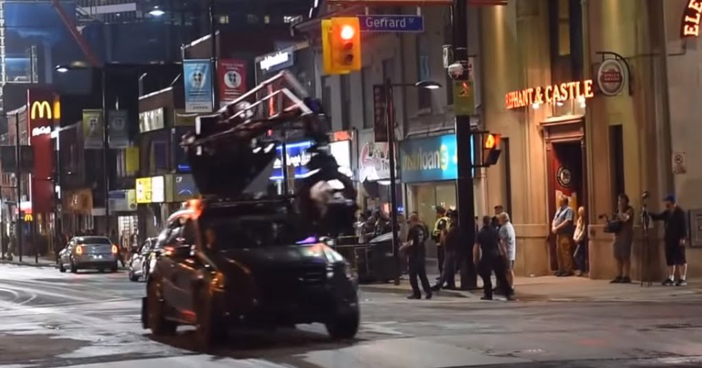 Suicide-Squad-filming-locations-toronto-Batman-chasing-Joker-pic3