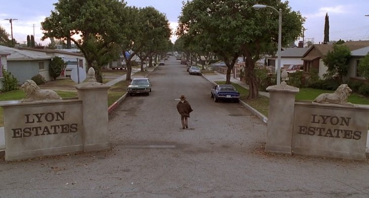 back-to-the-future-part-3-filming-locations-lyon-estates-entrance-1985